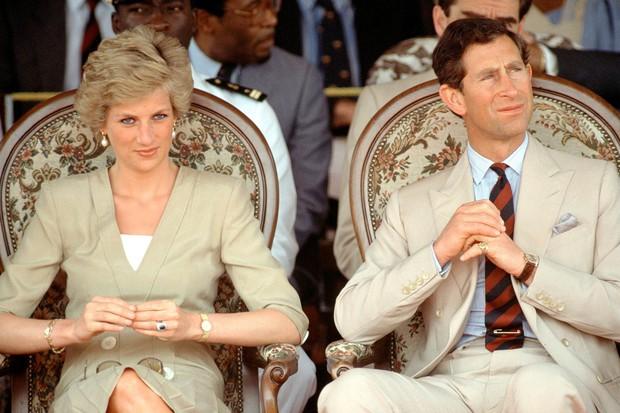 Công nương Diana siêu xinh chính thức lộ diện trong The Crown của Netflix - Ảnh 6.