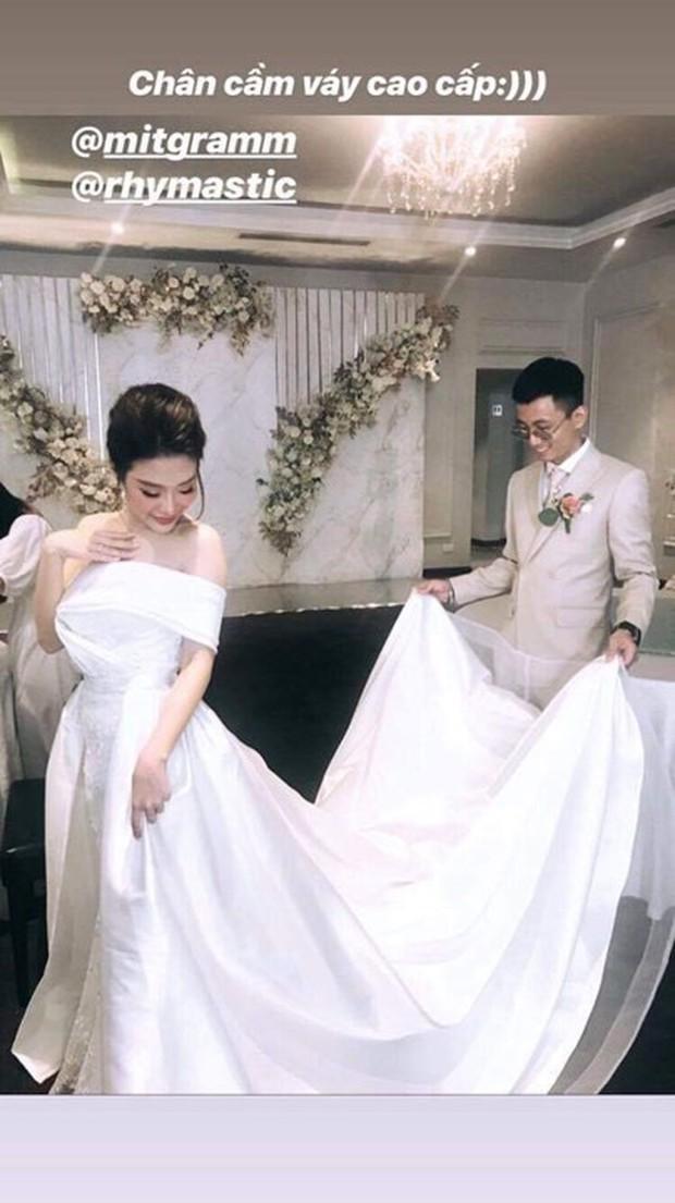 Tóc Tiên cùng người yêu tin đồn Touliver tới mừng đám cưới của Rhymastic và bà xã hotgirl - Ảnh 7.