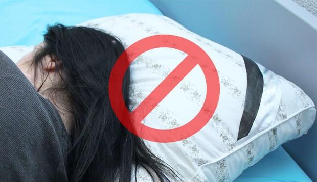 Sáng ngủ dậy thường bị hoa mắt chóng mặt, nguyên nhân là do đâu? - Ảnh 2.