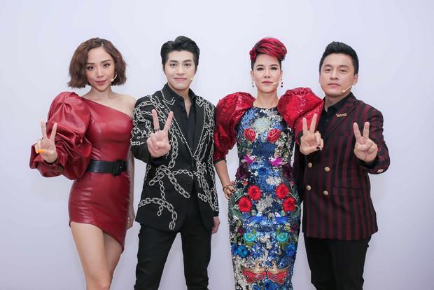 The Voice Mỹ học hỏi Giọng hát Việt luật chơi mới? - Ảnh 1.