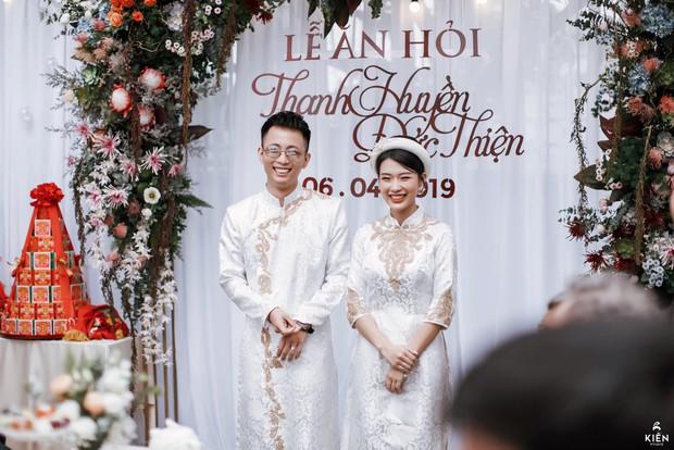 Tóc Tiên cùng người yêu tin đồn Touliver tới mừng đám cưới của Rhymastic và bà xã hotgirl - Ảnh 11.
