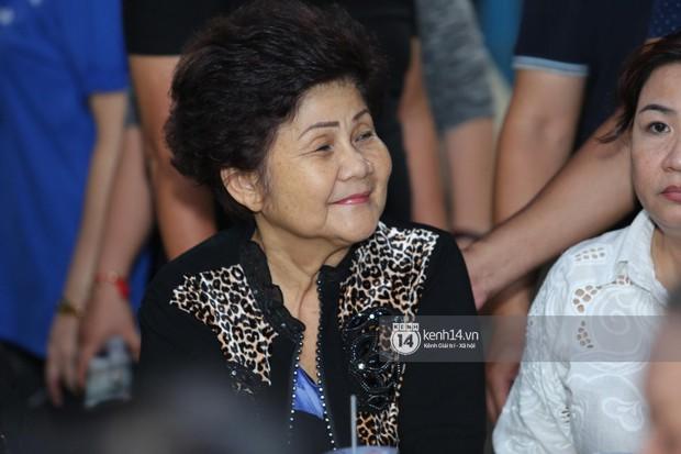 Mẹ nghệ sĩ Anh Vũ đã xuất viện sau một ngày cấp cứu, cùng gia đình cảm ơn từng người tới thăm viếng - Ảnh 2.