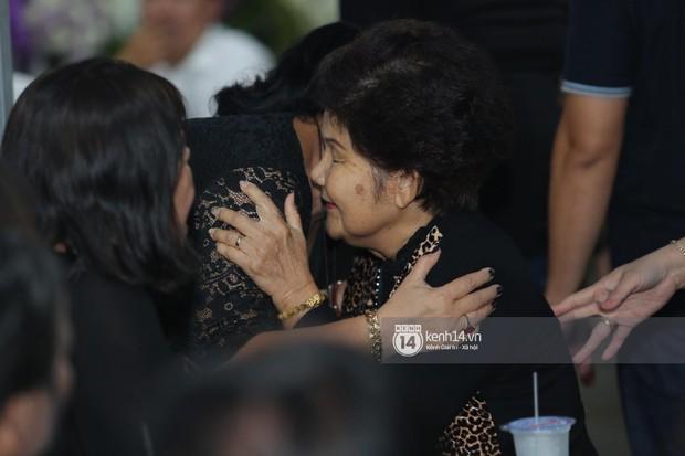 Mẹ nghệ sĩ Anh Vũ đã xuất viện sau một ngày cấp cứu, cùng gia đình cảm ơn từng người tới thăm viếng - Ảnh 4.