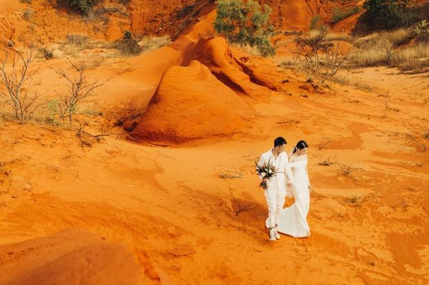 Tóc Tiên cùng người yêu tin đồn Touliver tới mừng đám cưới của Rhymastic và bà xã hotgirl - Ảnh 10.