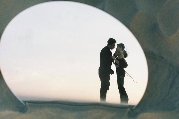 Tóc Tiên cùng người yêu tin đồn Touliver tới mừng đám cưới của Rhymastic và bà xã hotgirl - Ảnh 9.