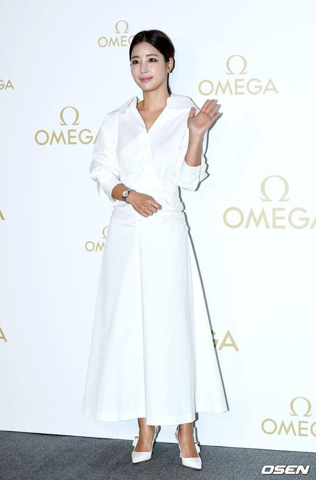 Sự kiện hot nhất hôm nay: Krystal vừa dừ vừa xuống sắc vì tăng cân, Sooyoung khoe chân cực phẩm bên dàn mỹ nhân Hàn - Ảnh 15.