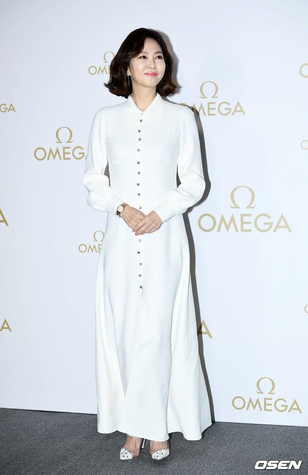 Sự kiện hot nhất hôm nay: Krystal vừa dừ vừa xuống sắc vì tăng cân, Sooyoung khoe chân cực phẩm bên dàn mỹ nhân Hàn - Ảnh 11.