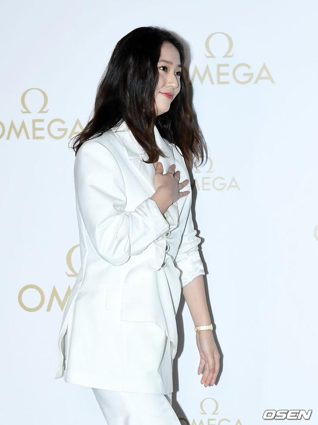 Sự kiện hot nhất hôm nay: Krystal vừa dừ vừa xuống sắc vì tăng cân, Sooyoung khoe chân cực phẩm bên dàn mỹ nhân Hàn - Ảnh 7.