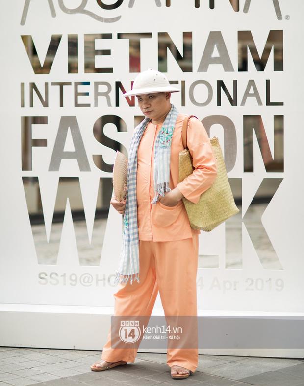 Street style ngày 1 của Tuần lễ thời trang: Ai không biết lại tưởng giới trẻ Việt chơi Halloween sớm tận nửa năm - Ảnh 14.