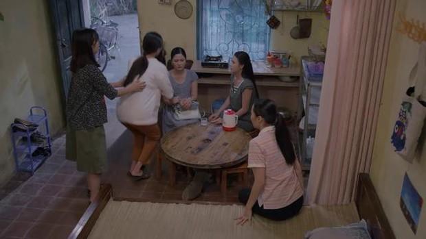 """Xem """"Về Nhà Đi Con nhưng cư dân mạng lại xót cho chị Thuận của Những Cô Gái Trong Thành Phố - Ảnh 7."""