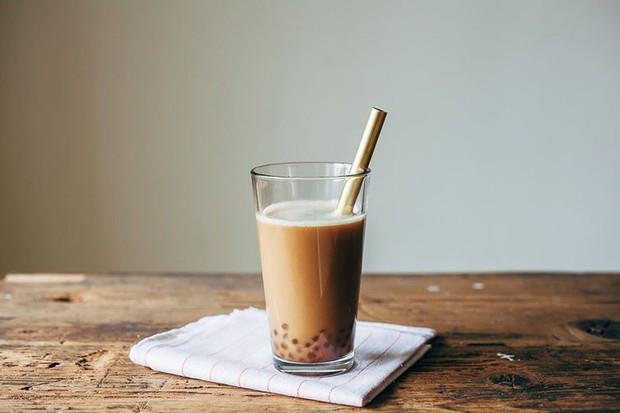 Đây là những kiểu thường gặp nhất khi uống trà sữa, bạn thuộc kiểu nào dưới đây? - Ảnh 2.