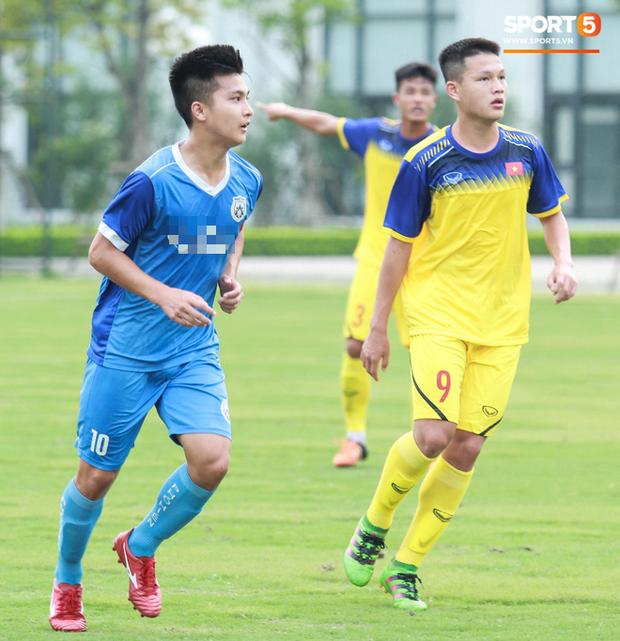 Cầu thủ Việt kiều Martin Lo: Từ bỏ cơ hội chơi bóng ở Australia để trở về với ước mơ được khoác áo tuyển Việt Nam - Ảnh 4.