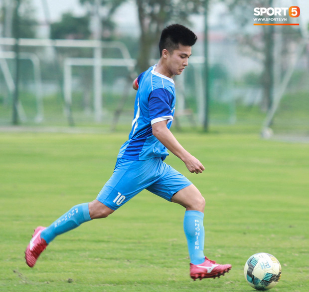 Cầu thủ Việt kiều Martin Lo: Từ bỏ cơ hội chơi bóng ở Australia để trở về với ước mơ được khoác áo tuyển Việt Nam - Ảnh 10.