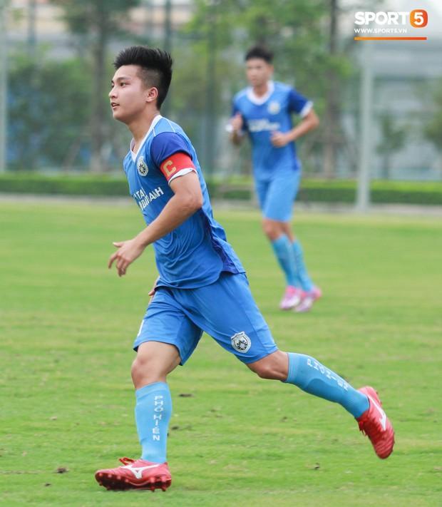 Cầu thủ Việt kiều Martin Lo: Từ bỏ cơ hội chơi bóng ở Australia để trở về với ước mơ được khoác áo tuyển Việt Nam - Ảnh 9.