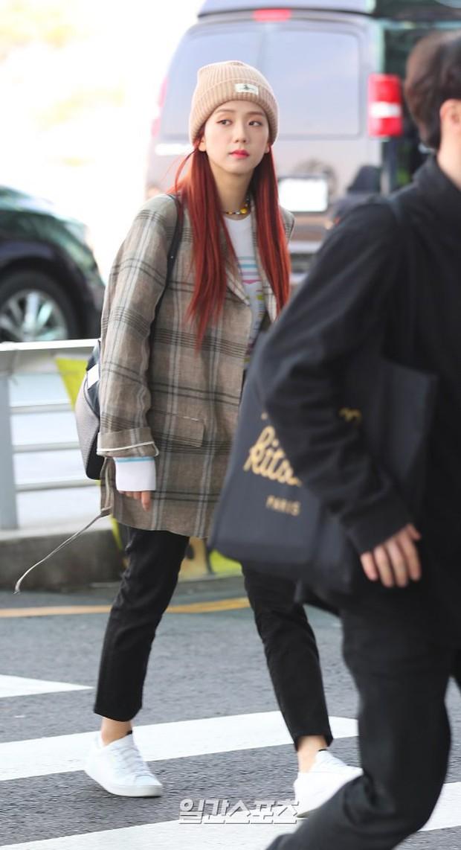 Màn đọ sắc gay cấn của dàn mỹ nhân Hàn: Black Pink siêu xinh, nhưng Hyuna lại chiếm spotlight vì gương mặt đơ cứng - Ảnh 9.