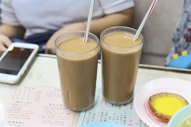 Đây là những kiểu thường gặp nhất khi uống trà sữa, bạn thuộc kiểu nào dưới đây? - Ảnh 1.