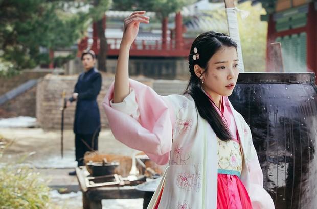 Sau 3 năm, dàn sao Moon Lovers không hẹn mà gặp, đồng loạt tái chiếm màn ảnh Hàn chỉ thiếu mỗi nam chính - Ảnh 2.