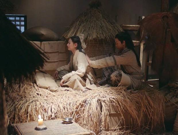 Ai khổ như Trương Vô Kỵ, trị thương cho Triệu Mẫn mà không chịu... cởi áo cũng khiến fan bất mãn - Ảnh 7.