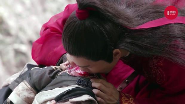 Ai khổ như Trương Vô Kỵ, trị thương cho Triệu Mẫn mà không chịu... cởi áo cũng khiến fan bất mãn - Ảnh 4.