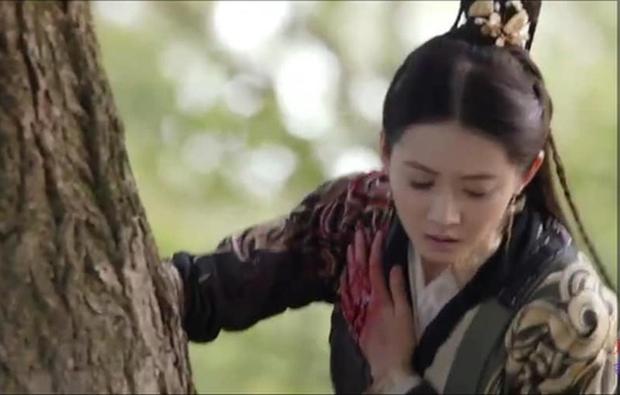 Ai khổ như Trương Vô Kỵ, trị thương cho Triệu Mẫn mà không chịu... cởi áo cũng khiến fan bất mãn - Ảnh 2.