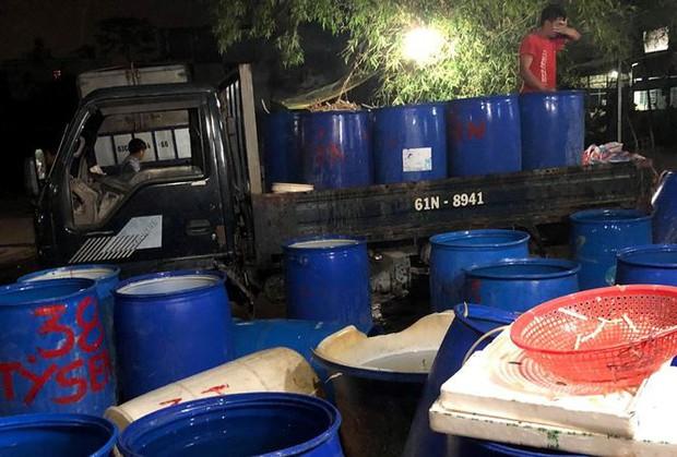 Phát hiện gần 2 tấn ngó sen, hoa chuối bào ngậm thuốc độc - Ảnh 1.