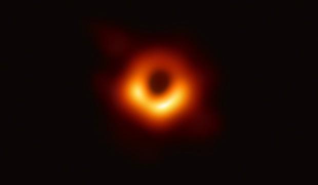 Bí ẩn sự kiện chụp hố đen: Tiết lộ cách chụp và số ổ cứng khổng lồ để lưu bức ảnh - Ảnh 2.