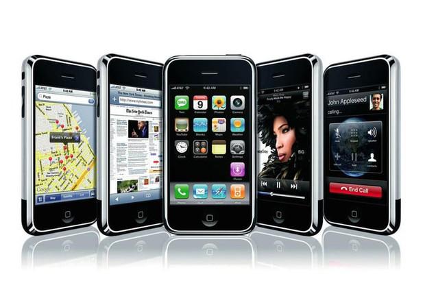 Thế hệ 10x sao hiểu được iPhone thời chưa dậy thì trông xấu đau đớn thế này đây - Ảnh 2.
