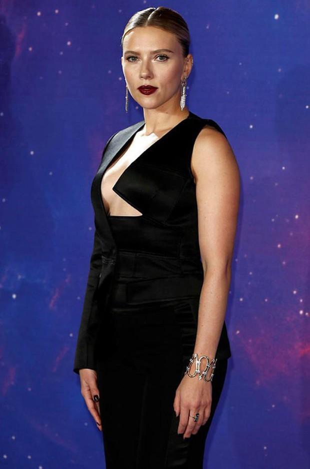 Sự kiện Avengers gây chú ý: Mỹ nhân Scarlett Johansson nơm nớp vì hở quá bạo, liên tục cười tít mắt với Thor - Ảnh 4.