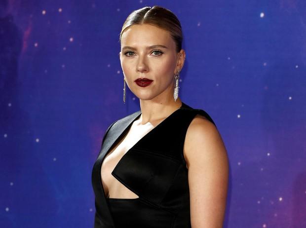Sự kiện Avengers gây chú ý: Mỹ nhân Scarlett Johansson nơm nớp vì hở quá bạo, liên tục cười tít mắt với Thor - Ảnh 6.