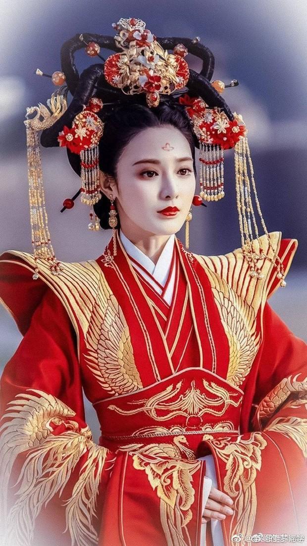 Khổ thân Chi Pu, quay MV cổ trang nhưng lại bị fan bảo là... cosplay Đông Cung - Ảnh 5.