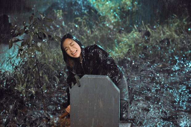 Lật Mặt: Nhà Có Khách sáng tạo nhưng chưa đột phá, Mạc Văn Khoa gây cười ná thở suốt phim - Ảnh 15.