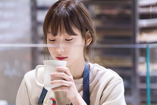 6 thói quen ăn uống vô tình làm giảm kích cỡ vòng 1 mà hội con gái chẳng hay biết - Ảnh 2.