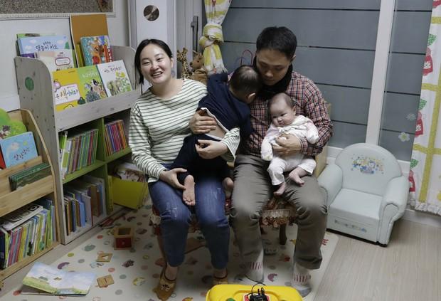 Cách tính tuổi kỳ lạ ở Hàn Quốc: Có những em bé mới sinh bỗng nhiên đã trở thành trẻ 2 tuổi - Ảnh 3.