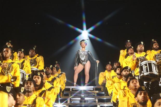 Ariana Grande được trả catse 170 tỷ bằng Beyoncé: Xứng đáng hay không? - Ảnh 5.