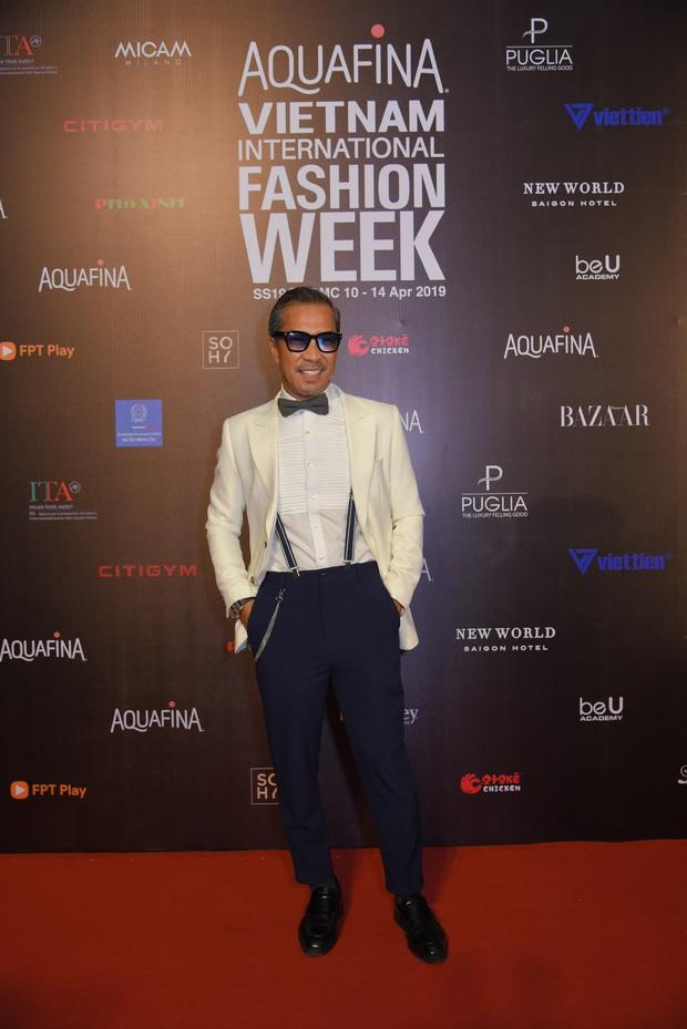 Tiểu Vy giật giũ, Nam Em thành đại phu nhân trên thảm đỏ Aquafina Vietnam International Fashion Week - Ảnh 12.