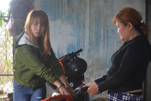 2 nữ nhân viên tiệm massage trộm 30 triệu đồng của nam thanh niên đến thư giãn - Ảnh 2.