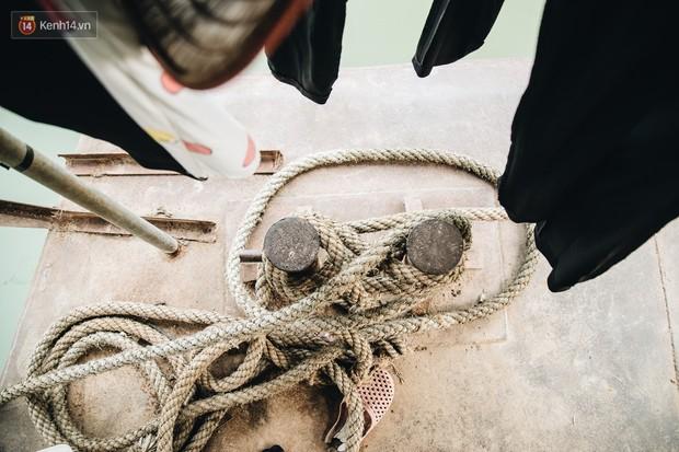 Cuộc sống lênh đênh trên thuyền của người lao động nhập cư ở Hà Nội: Chả có gì khó khăn, đông vui là chính - Ảnh 6.