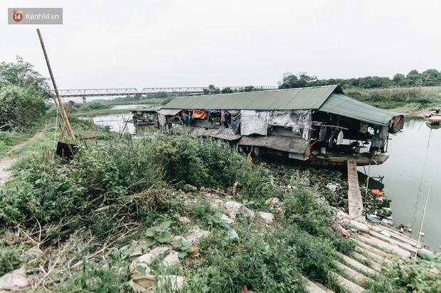 Cuộc sống lênh đênh trên thuyền của người lao động nhập cư ở Hà Nội: Chả có gì khó khăn, đông vui là chính - Ảnh 3.