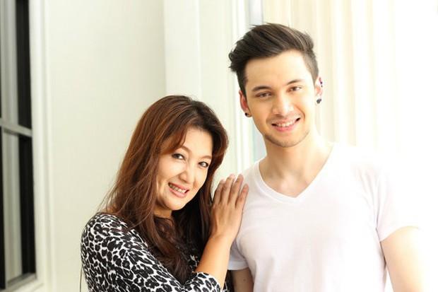 Những bà mẹ vừa nổi tiếng vừa giàu có của sao Thái: Mẹ tài tử Friendzone gây bất ngờ, nhưng chưa bằng người cuối - Ảnh 28.