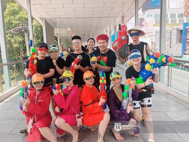 Hàng ngàn bạn trẻ Việt đang đổ về Bangkok để hoà vào dòng người chơi té nước Songkran! - Ảnh 7.