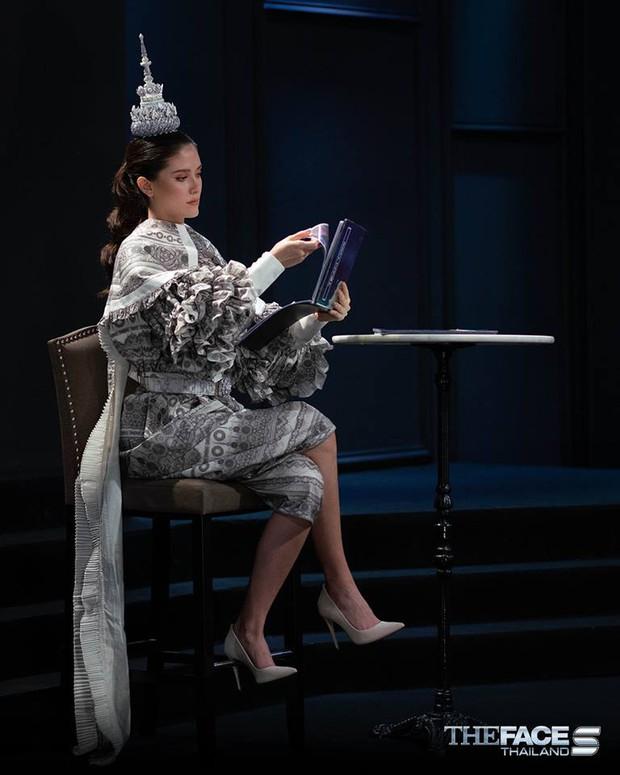 The Face Thailand: Maria chơi trội như Võ Hoàng Yến, mặc luôn trang phục truyền thống vào phòng loại - Ảnh 2.