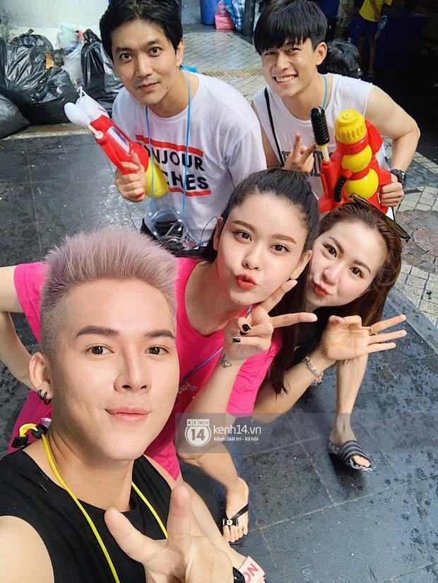 Tim và Trương Quỳnh Anh thân thiết đi Tết Thái cùng nhau sau ly hôn  - Ảnh 1.