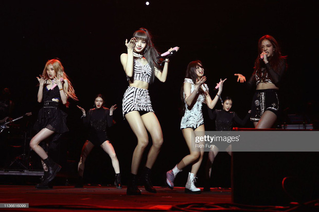 Là đại diện Kpop đầu tiên xuất hiện tại Coachella, điều gì khiến buổi biểu diễn của BlackPink thành công bất ngờ đến vậy? - Ảnh 6.