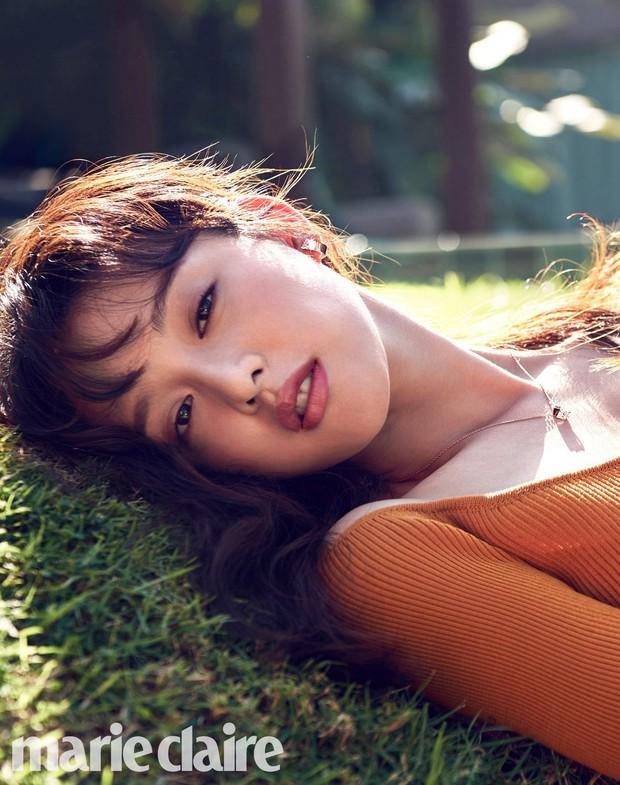 Vừa lộ diện, nữ thần Hậu duệ mặt trời Kim Ji Won đã bị tiểu tam tin đồn của đôi Song Song lấn lướt về nhan sắc? - Ảnh 7.
