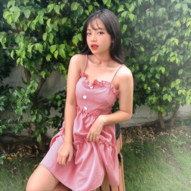 Nữ thần đồng phục trường Trần Phú (TP.HCM): Ngây thơ và cuốn hút chỉ cách nhau một tích tắc - Ảnh 4.