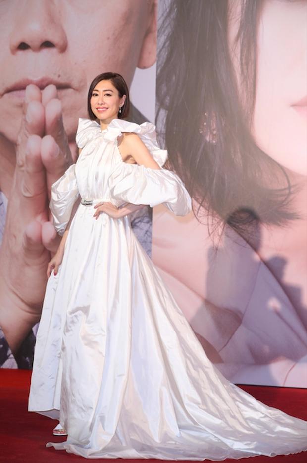 Lễ trao giải Kim Tượng: Song Hye Kyo bị chê hơi dừ, Hồ Định Hân ra sức chặt chém dàn mỹ nhân khoe body hết cỡ - Ảnh 19.