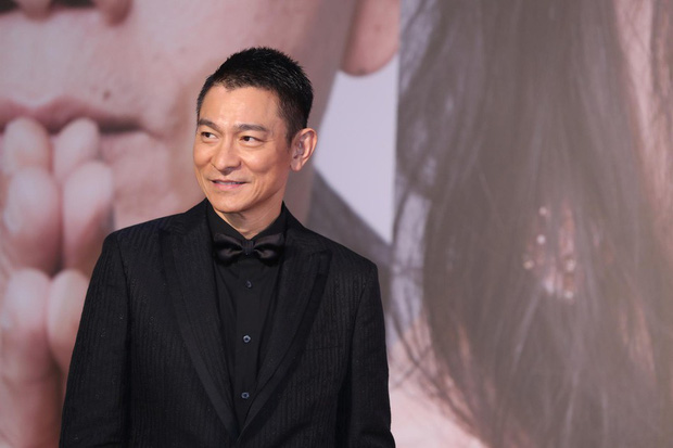 Lễ trao giải Kim Tượng: Song Hye Kyo bị chê hơi dừ, Hồ Định Hân ra sức chặt chém dàn mỹ nhân khoe body hết cỡ - Ảnh 13.