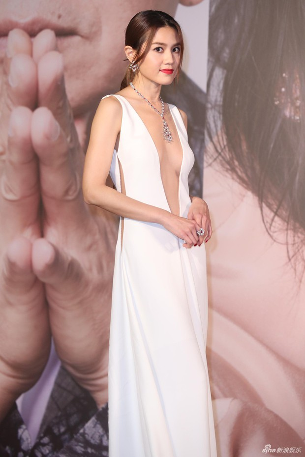 Lễ trao giải Kim Tượng: Song Hye Kyo bị chê hơi dừ, Hồ Định Hân ra sức chặt chém dàn mỹ nhân khoe body hết cỡ - Ảnh 27.