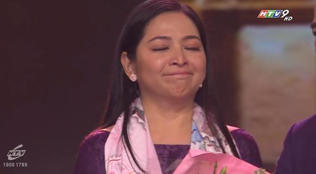 Khép lại 19 năm thanh xuân, MC Quỳnh Hương rơi nước mắt trong số cuối cùng dẫn Thay lời muốn nói - Ảnh 20.