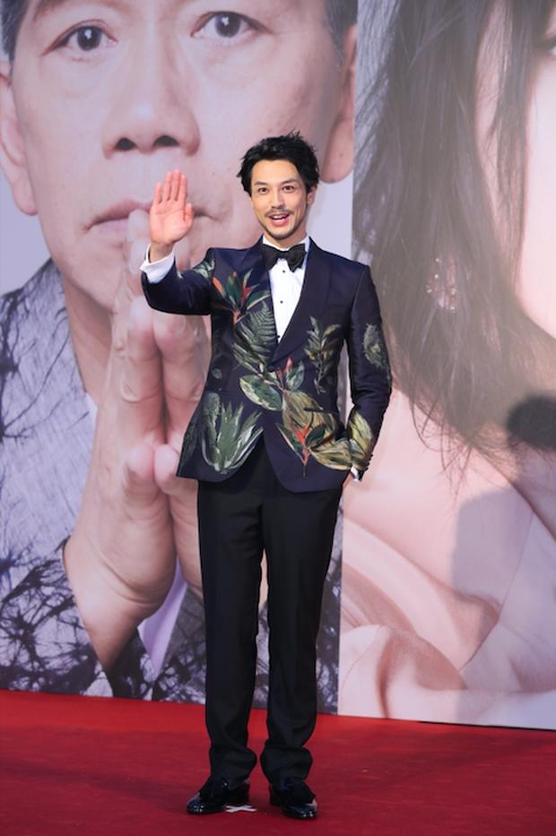 Lễ trao giải Kim Tượng: Song Hye Kyo bị chê hơi dừ, Hồ Định Hân ra sức chặt chém dàn mỹ nhân khoe body hết cỡ - Ảnh 23.